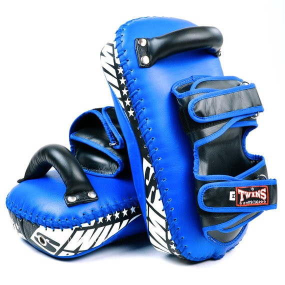 twins muay thai kick pads blue