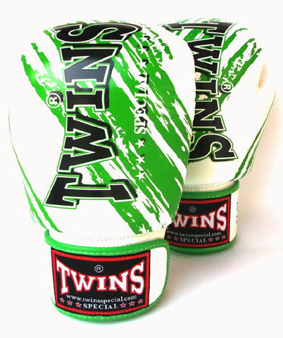 twins special green accent muay thai gloves